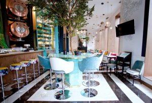 Barmöbler till restaurangmiljö
